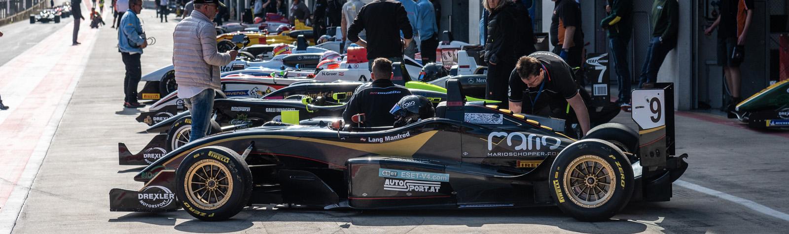 Deleda vyrazí z první pozice ve Formuli 3